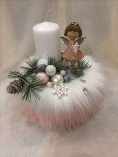 Candle Centerpiece Christmas Advent Wreath, Christmas Candle Decorations, Christmas Flower Arrangements, Christmas Candles, Xmas Ornaments, Christmas Crafts, Theme Noel, Deco Table, Holiday Crafts