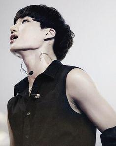 Jongin's jawline *o* #EXO #Kai