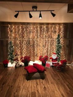 Perfect DIY Christmas Photo Booth Backdrop Ideas – New Year Christmas Photo Booth Backdrop, Christmas Backdrops, Diy Photo Booth, Photo Booths, Christmas Photo Props, Photobooth Backdrop Christmas, Christmas Photoshoot Ideas, Christmas Picture Background, Church Christmas Decorations