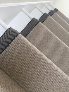 Stairways With Carpet Runners Code: 7446942418