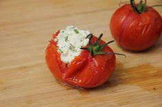 Töltött paradicsom recept Stuffed Peppers, Vegetables, Food, Stuffed Pepper, Veggies, Veggie Food, Meals, Vegetable Recipes, Yemek