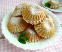 Kruche babeczki z budyniem Panna Cotta, Garlic, Sweets, Baking, Vegetables, Ethnic Recipes, Food, Polish Food Recipes, Kuchen