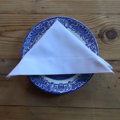 White picnic serviettes with an oxford edge Picnic, Napkins, Oxford, Tableware, Dinnerware, Dinner Napkins, Tablewares, Oxfords, Picnics