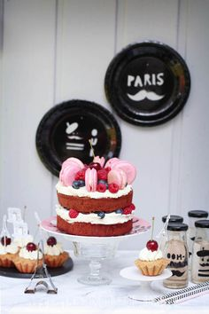 ooh lala - Paris .... a sweet table