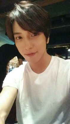 CNBLUE's Yonghwa Takes a Selca at IU's Concert