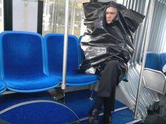 Cet homme qui prend le bus : | 42 personnes qui vous feront perdre foi en l'humanité