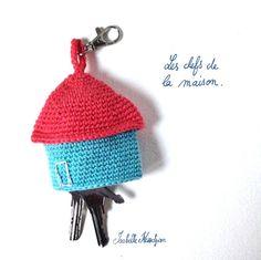 Isabelle Kessedjian: Porte clef au crochet.
