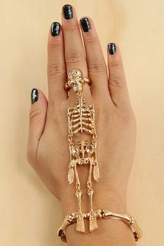 @Tabitha Christie I could see you wearing this!!   Spooky Spell Bracelet