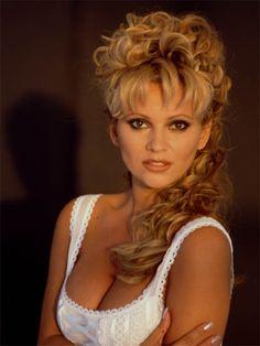 Tatjana Simic (born 9 June is a Croatian-Dutch model, actress and singer. Famous Celebrities, Celebs, Dutch Women, Famous Photographers, Movie Photo, Interesting Faces, Looking Gorgeous, Female Bodies, Gorgeous Women