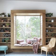 In common room window seat inside area can have laminate with lines Living Room White, Living Room Windows, White Rooms, Living Room Interior, Bedroom Windows, Living Rooms, Kitchen Living, Small Living, Elle Decor