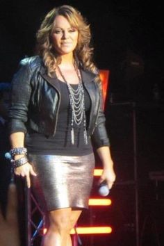 Jenni Rivera Jenni Rivera, My Idol, Jr, Leather Skirt, Diva, Curves, Celebs, Fashion Outfits, Pictures