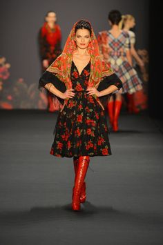 Lena Hoschek From Russia With Love Autumn Winter 2013 / 2014 Berlin Fashion Week 3