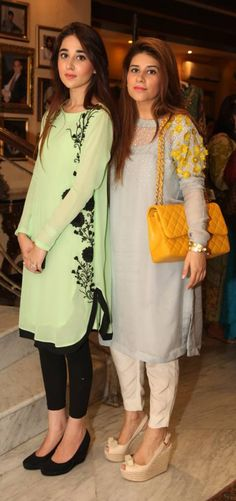 LOOK OF THE DAY: Anushaye Gohar and Mishal Asad. I love the look on the left, the green is lovely with the black. Indian Attire, Indian Wear, Pakistani Outfits, Indian Outfits, Simple Dresses, Casual Dresses, Ladies Dresses, Mode Bollywood, Estilo Street