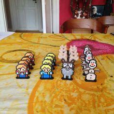 Frozen Ludo/Parcheesi game hama perler beads by Ditte Marie and mortenlundemann - Board: https://www.pinterest.com/pin/374291419010382247/