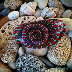 #YuliaArtDots #paintedstones #pebble #rock #stone #spiral #fracktalart #dots #dotting #dotartwork #seatreasures #myart #blackpebble #