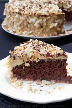 Tres leches chocolate cake with caramel frosting Delicious chocolate tres leches cake topped with a creamy dulce de leche frosting and toasted coconut. Chocolate Tres Leches Cake, Chocolate Caramel Cake, Caramel Frosting, Delicious Chocolate, Chocolate Desserts, Baking Recipes, Cake Recipes, Dessert Recipes, Top Recipes