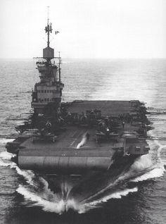 HMS Victorious 1942 or '43 : Le HMS Victorious (R38) est le second porte-avions de la classe Illustrious commandé en vertu du Programme naval de 1936. Wiki