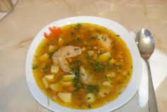 Ciorba de cartofi cu aripi de pui si leustean Cheeseburger Chowder, Thai Red Curry, Supe, Food And Drink, Cooking, Ethnic Recipes, Kitchen, Brewing, Cuisine