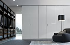 Senzafine is a modern closet system came from Poliform. This closet design with modern and contemporary to the best room interior design. Wardrobe Cabinets, Wardrobe Doors, Wardrobe Closet, Room Closet, Master Closet, Closet Space, Master Bedroom, Luxury Wardrobe, Wardrobe Design