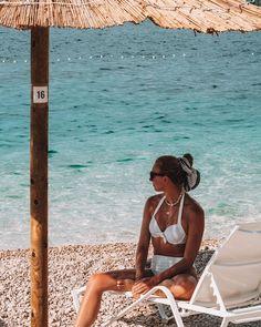 """Iris 🌸 Travel & Lifestyle on Instagram: """"Mein Lieblingsstrand auf unserem Roadtrip. 😍 Leider waren wir nur eine Nacht in Primošten, aber ich kann euch diesen Ort wirklich nur…"""" Roadtrip, Strand, Bikinis, Swimwear, Instagram, Travel, Night, Places, Bathing Suits"""