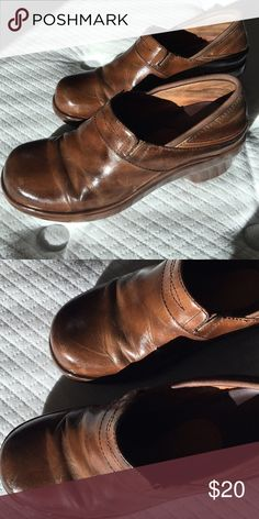 Ariat clogs light brown Leather good condition Ariat Shoes Mules & Clogs