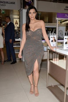 Kim Kardashian Photos: Kim Kardashian Introduces 'Kardashian Beauty Hair'