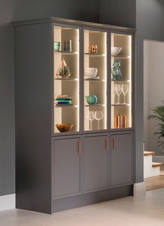 With a moody grey matt finish, there's no denying the impact that a Newbury Grey Kitchen will create in your home. View this showcase kitchen style today. Crockery Cabinet, Cabinet Decor, Cabinet Design, Crockery Units, Dining Room Design, Interior Design Kitchen, Kitchen Decor, Armoire Entree, Room Partition Designs