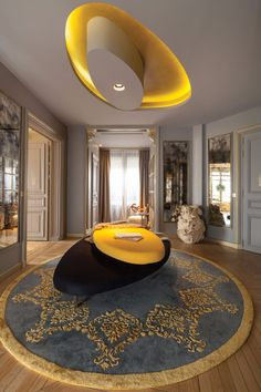 When it comes to French interior designers, you can find some of the most important movers and shakers the industry has ever known. Here's a look at the best French interior designers and their work. French Interior Design, Top Interior Designers, Best Interior, Contemporary Interior, Luxury Interior, Luxury Furniture, Interior Architecture, French Furniture, Furniture Ideas