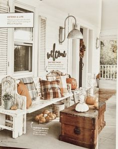 Fall Home Decor, Autumn Home, Seasonal Decor, Holiday Decor, Autumn Decorations, House Decorations, Porch Decorating, Decorating Ideas, Farmhouse Decor