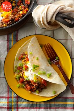 Hosting Easter breakfast this year? These impressive brunch menu options come together fast for no-fuss entertaining. Easy Brunch Recipes, Mexican Breakfast Recipes, Mexican Food Recipes, Beef Recipes, Ethnic Recipes, Breakfast Ideas, Easter Brunch Menu, Chocolate Smoothie Recipes, Dinner With Ground Beef