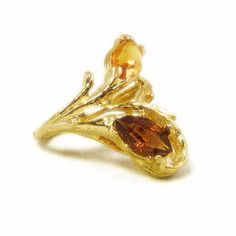 New to VintageVegasGems on Etsy: Gold Tone Ring with Brown and Amber Marquise Cut Rhinestones - Size 3.5 (18.00 USD)