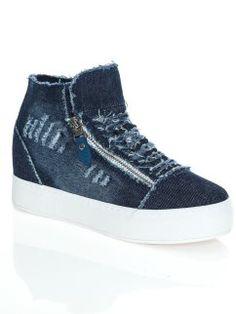 Zapatillas deportivas vaqueras con suela ancha de goma Jeans Store, High Tops, High Top Sneakers, Wedges, Denim, Girls, Shoes, Fashion, Shopping