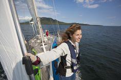 7) Sailing past Pie Island cliffs