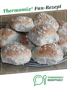 Ein Thermomix ® Rezept aus der Kategorie Br… Oatmeal buns from reni. A Thermomix ® recipe from the category Bread & Rolls on www.de, the Thermomix® Community. Pain Burger, Burger Buns, Bread Recipes, Baking Recipes, Oatmeal Bread, Bread Bun, How To Make Pizza, Pampered Chef, Banana Split