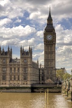 Reino Unido. Big Ben Tower and Palace of Westminster (Houses of Parliament), Londres