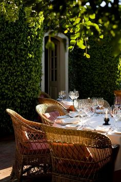 Al Fresco Dining Outdoor Rooms, Outdoor Gardens, Outdoor Furniture Sets, Rattan Furniture, Patio Dining, Outdoor Dining, Outdoor Decor, Outdoor Seating, Al Fresco Dining