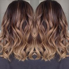 We love Honey #balayage #balayageombre #honey #honeytones #caramel #hairart…