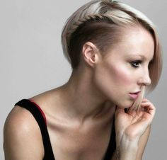 Emma Hewitt, one of my favorite trance singers and i love her hair