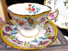 HAMMERSLEY-tea-cup-and-saucer-flared-painted-floral-amp-yellow-band-teacup-set