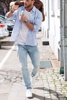 15 white sneakers, blue jeans, a white tee and a blue shirt - Styleoholic