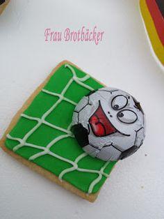 Frau Brotbäcker: Fussball Kekse
