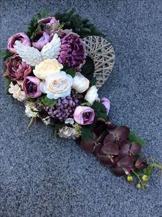 Grave Flowers, Funeral Flowers, Funeral Flower Arrangements, Floral Arrangements, Grave Decorations, Wedding Decorations, Black Flowers, Arte Floral, Ikebana
