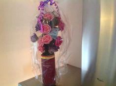 Empty pringles can, pencils and fake flowers! Lege pringles bus, potloden en bloemen van de action! Leuk om cadeau te geven, kaartje met geld erin en klaar is kees!
