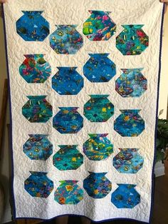 'Go Fish' exhibited by Dale Yamaura and quilted by Trina Jahnsen Cute Quilts, Scrappy Quilts, Mini Quilts, Children's Quilts, I Spy Quilt, Book Quilt, Beach Themed Quilts, Tropical Quilts, Rustic Quilts