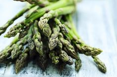 Asparagus nutrition includes benefits for your heart, digestion and bones. It's why asparagus has been considered a medicinal vegetable for years. Alkalize Your Body, Detox Your Body, Fresh Asparagus, Asparagus Recipe, Superfoods, Detox Recipes, Healthy Recipes, Healthy Foods, Tinkerbell