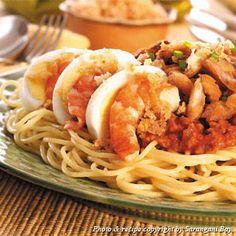 Tinapa Palabok Twist   Recipes   Yummy.ph - the Philippine online recipe database Filipino Dishes, Filipino Food, Filipino Recipes, Hard Boiled, Boiled Eggs, Spaghetti Meat Sauce, Recipe Database, Twisted Recipes, Italian Pasta
