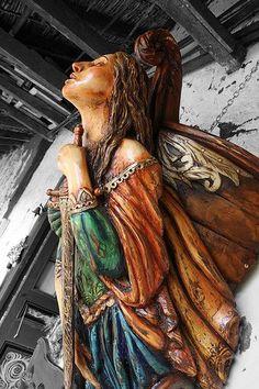 Send me a love! Art Sculpture, Sculptures, Ship Figurehead, Old Sailing Ships, Art Through The Ages, Sea Captain, Nautical Art, Effigy, Tall Ships
