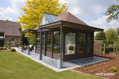 Realisatie te Denderbelle. Veranda voor poolhouse. #veranda #vanderbauwhede #bauwhede