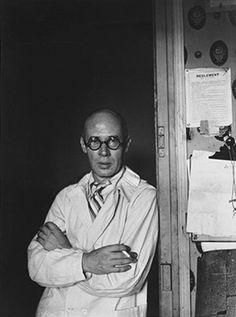 """mini.press: Ιστορία-1891 Γεννιέται ο Henry Miller, Αμερικανός συγγραφέας, του οποίου το έργο άσκησε σημαντική επιρροή, ειδικά κατά την περίοδο του μεσοπολέμου. Γνωστά έργα του:""""Ο τροπικός του Καρκίνου"""", """"ο τροπικός του Αιγόκερω"""". 2004 Σεισμός 9,3 ρίχτερ στις χώρες του Ινδικού ωκεανού αποδεικνύεται καταστροφικό, καθώς ακολουθεί tsounami, στο οποίο χάνονται πάνω από 230.000 ζωές και καταστρέφονται μικρές πόλεις σε 14 χώρες."""