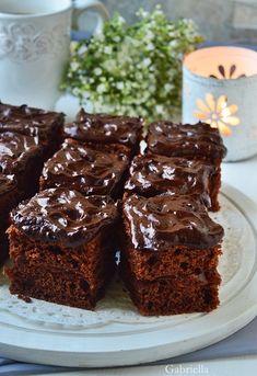 Gabriella kalandjai a konyhában :) Cake Cookies, Cupcake Cakes, Kitchen Aprons, Baking And Pastry, Macarons, Nutella, Deserts, Muffin, Food Porn